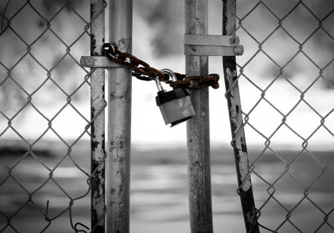 locked-chain-linked-fence